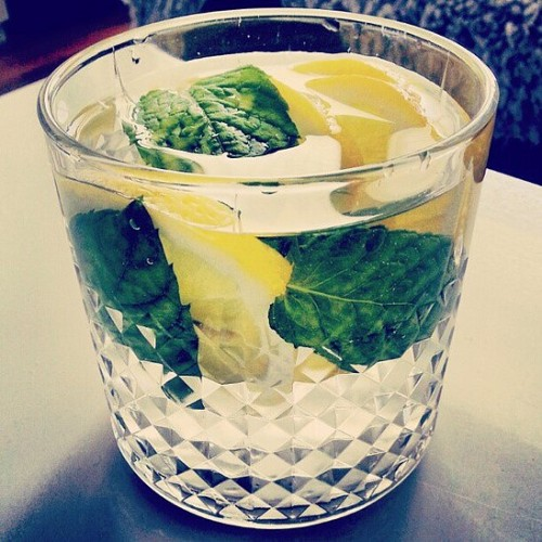 A bebida detox que elimina as toxinas e ajuda no emagrecimento