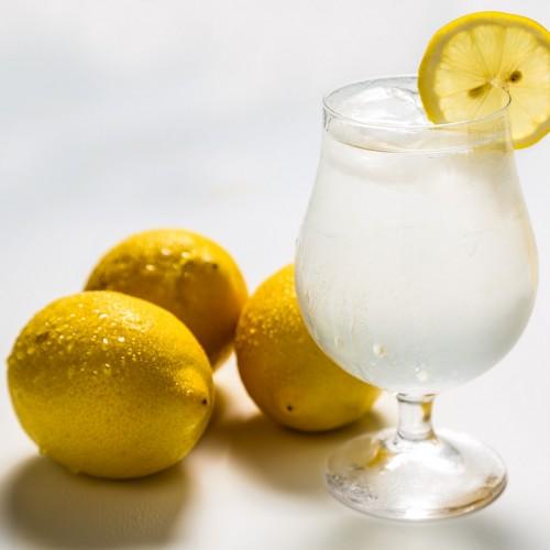 10 motivos que fazem do suco de limão um superalimento