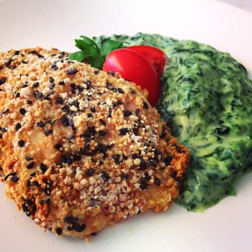 Receita light da semana: Frango empanado saudável com creme de espinafre light