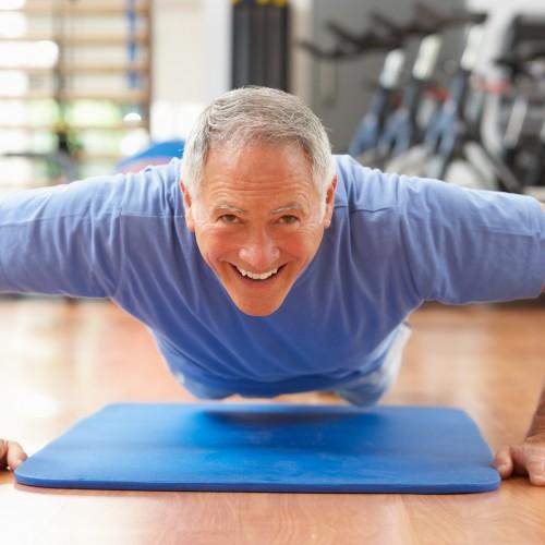 Conheça os benefícios do treinamento de força na terceira idade