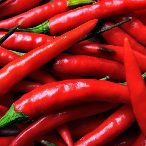 Os benefícios da pimenta em sua alimentação e uma receita de suco picante!