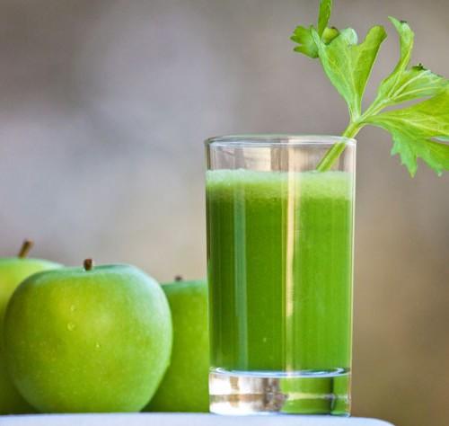#SUCODETOX: veja a receita de um suco com maçã verde para começar a semana!