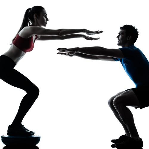 Veja o treino que fará você derreter suas gorduras extras e a receita de um suco energético!