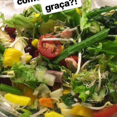 Chega de salada sem graça! Veja 2 molhos para dar vida e sabor a sua salada