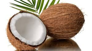 Mais um aliado poderoso do seu projeto verão: óleo de coco!