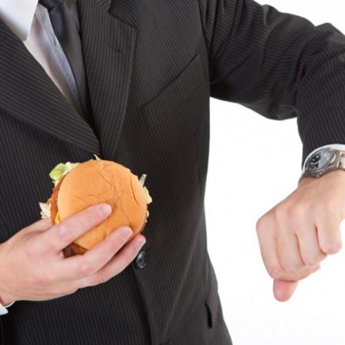 Por que você deve comer mais devagar?