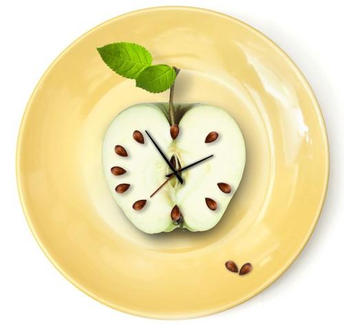 Como acabar com o hábito de comer muito durante a noite? Saiba como evitar a Compulsão Alimentar Noturna!