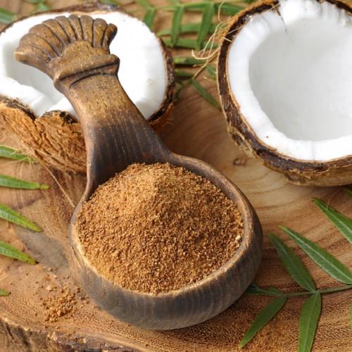 Conheça os benefícios do açúcar de coco e tire a dúvida: por que é melhor que o açúcar branco?