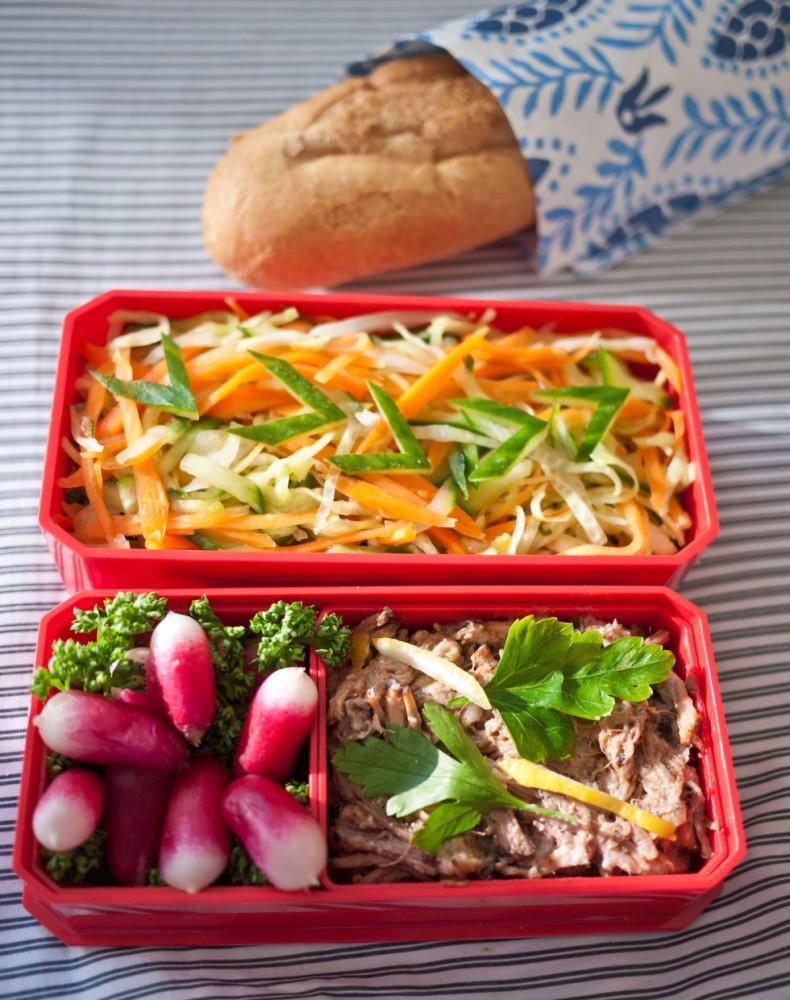 Resultado de imagem para Alimentos que você deve evitar antes de sair em um encontro amoroso! saladas