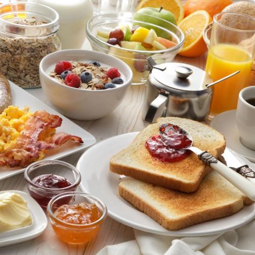 O que comer no café da manhã para perder peso?