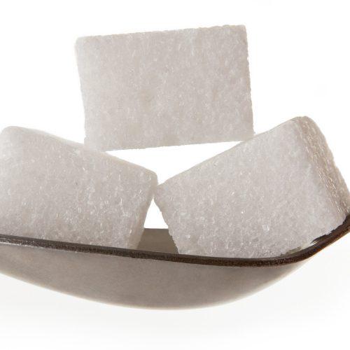6 dicas para reduzir o açúcar branco da sua vida