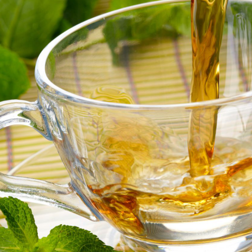 Árvore milagrosa: o que o chá de moringa pode fazer por você